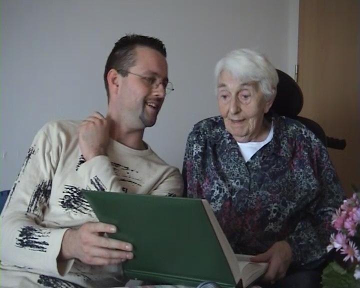 Cadeau Bejaarde Ouders Plaats Hun Levensverhaal Op Video